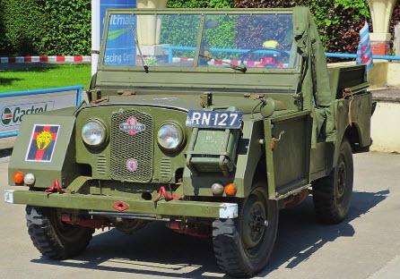 Бельгийский закос. Minerva Land Rover легко отличить от английского оригинала по странной форме крыльев