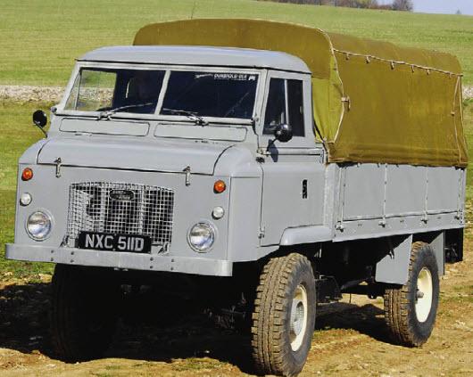 Под капотом - только радиатор! Land Rover Forward Control 1962-1974 годов отличался двигателем, установленным за передней осью.