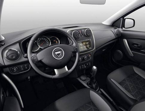 Renault-Sandero-Stepway-vnutri
