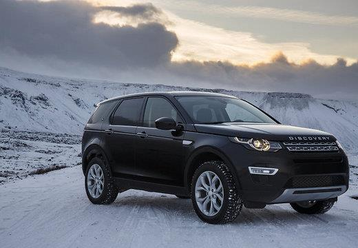 test-drive-land-rover-discovery-sport-v-islandii
